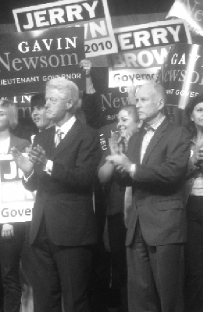 Clinton rallies Democrats in stop at SJSU