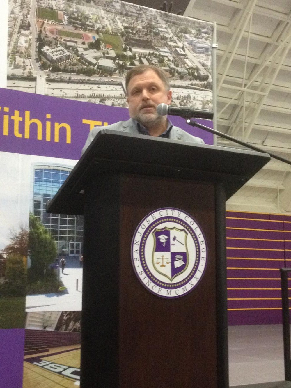 Anti-racist activist Tim Wise lectures and opens active discussion with students on the San Jose City College campus Thursday, April 20.