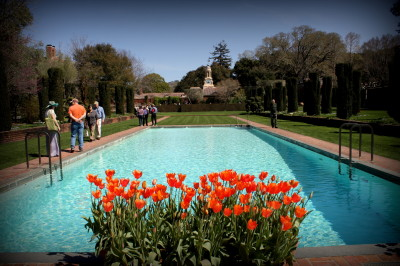 Gary mountain visits filoli gardens and estate city for Filoli garden pool