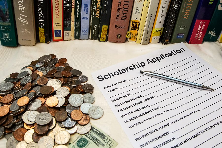SJECCD+Students+still+have+time+to+apply+for+scholarships+this+semester.+Visit+the+links+in+the+article+for+more+information.