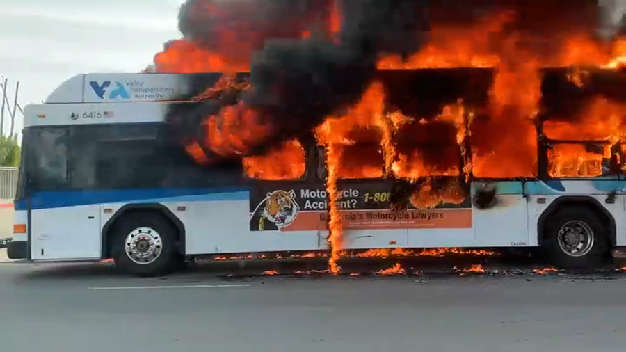 The+Route+61+VTA+bus+is+engulfed+by+flames+near+SJCC+on+May+7.
