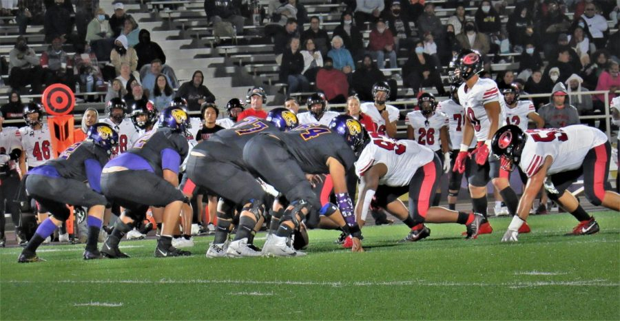 Saturday+night+game%2C+Sept.+25%2C+SJCCs+Defensive+Linemen+line+up+at+the+line+of+scrimmage+against+Foothills+Offensive+Line.